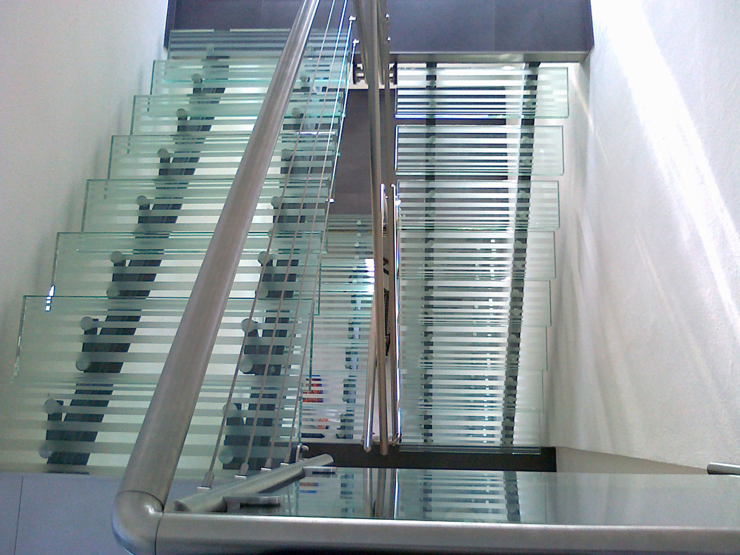 Sklenarstvi-Prerost-schody-a- pochozi-sklo (10)