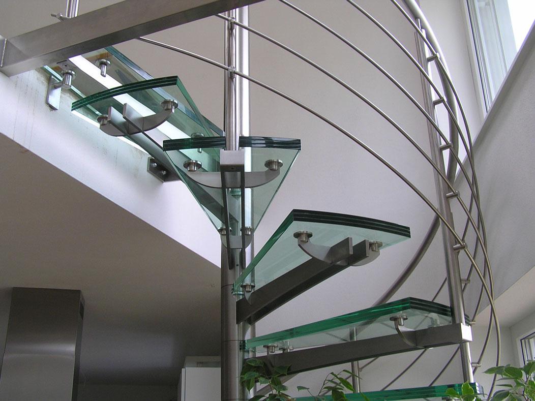 Sklenarstvi-Prerost-schody-a- pochozi-sklo (12)