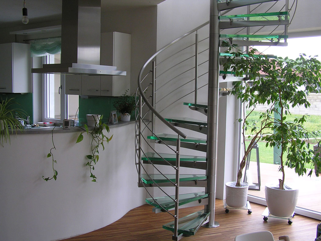 Sklenarstvi-Prerost-schody-a- pochozi-sklo (13)