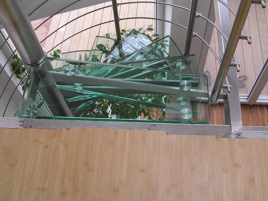 Sklenarstvi-Prerost-schody-a- pochozi-sklo (15)