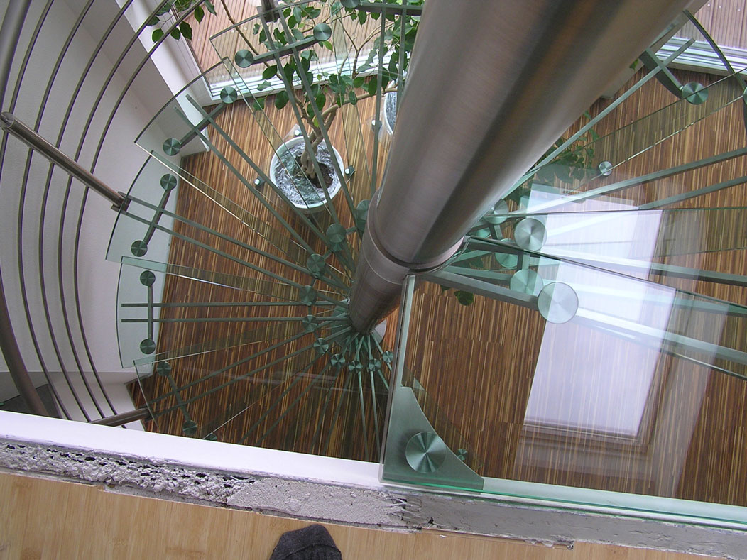 Sklenarstvi-Prerost-schody-a- pochozi-sklo (16)