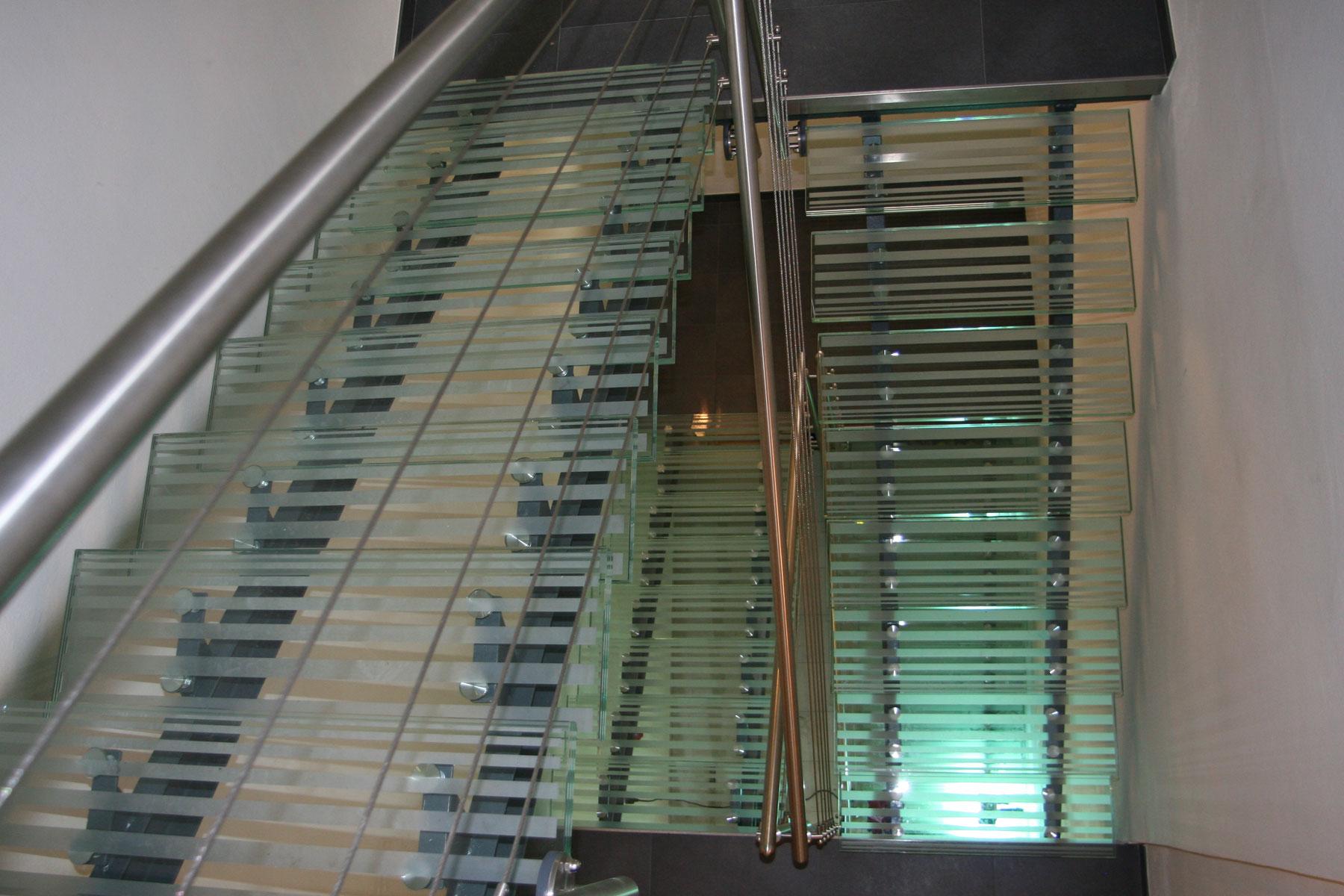 Sklenarstvi-Prerost-schody-a- pochozi-sklo (17)
