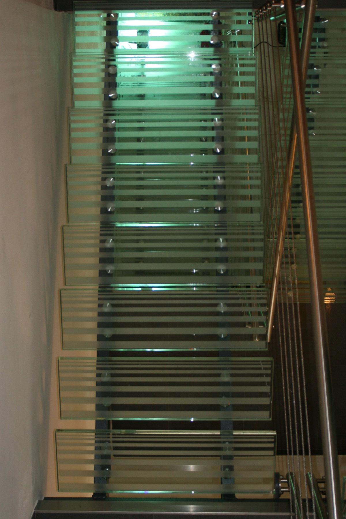Sklenarstvi-Prerost-schody-a- pochozi-sklo (18)