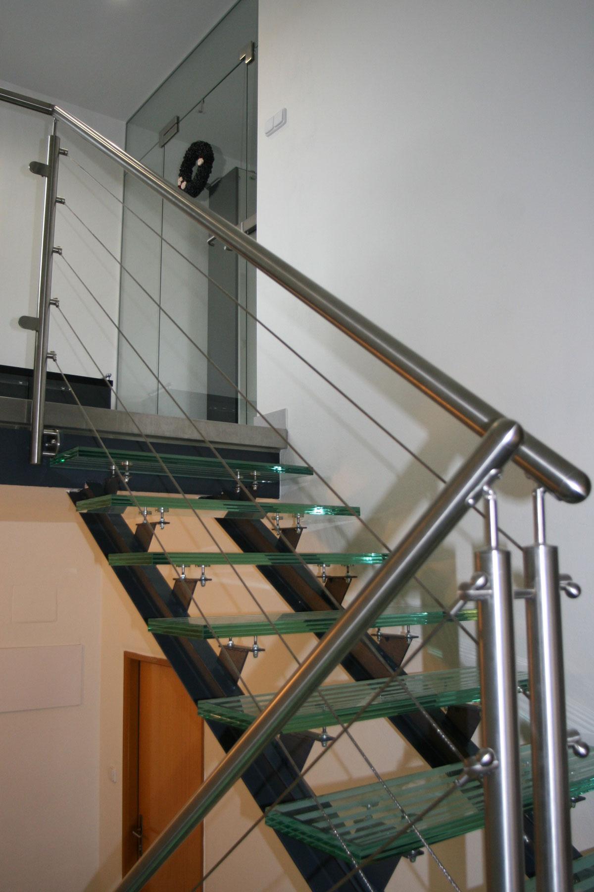 Sklenarstvi-Prerost-schody-a- pochozi-sklo (19)