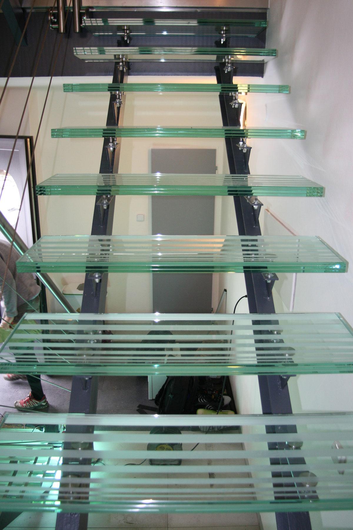 Sklenarstvi-Prerost-schody-a- pochozi-sklo (21)