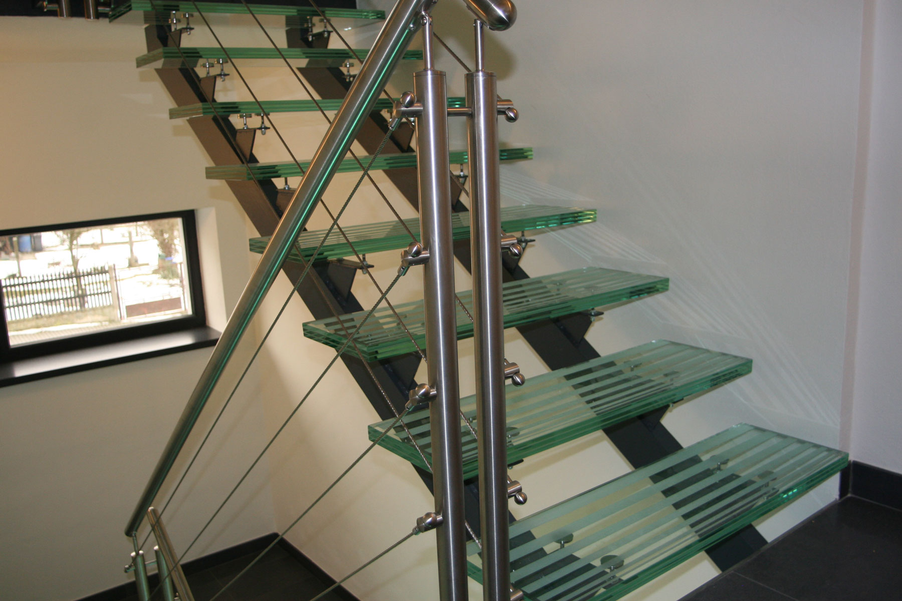 Sklenarstvi-Prerost-schody-a- pochozi-sklo (23)