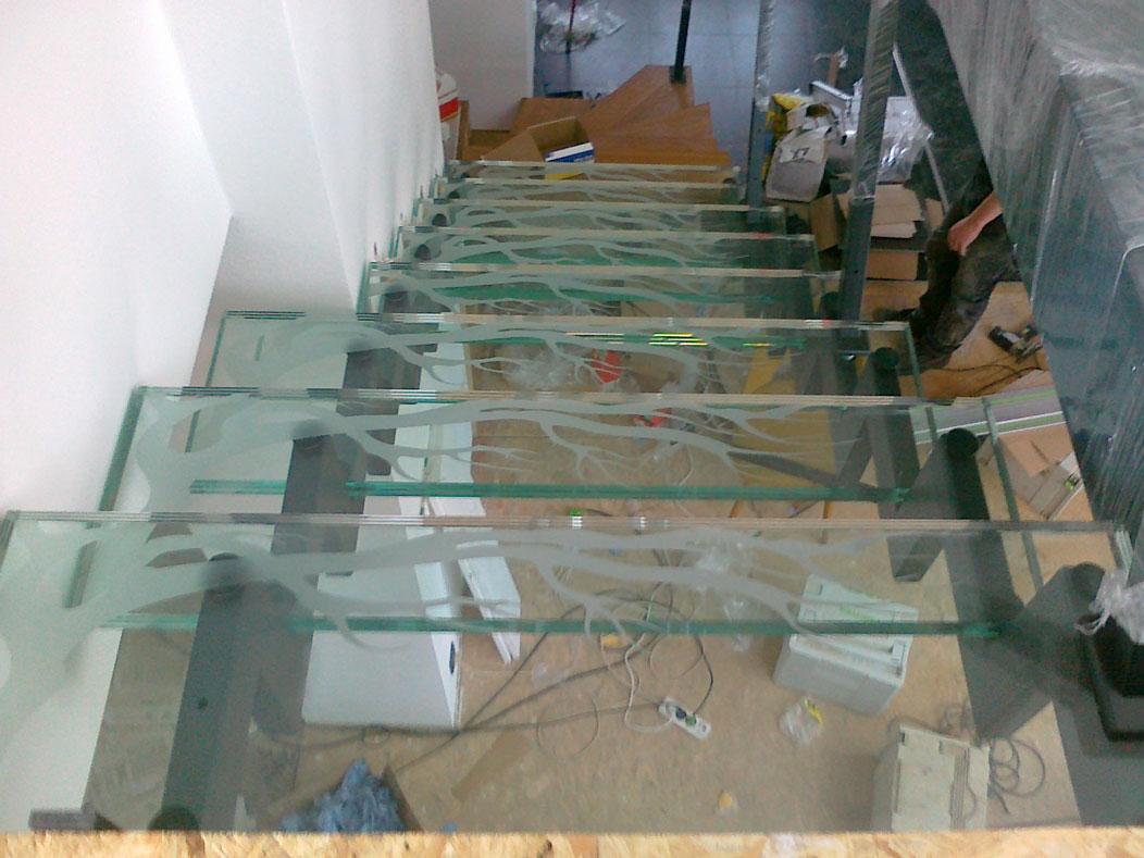 Sklenarstvi-Prerost-schody-a- pochozi-sklo (5)