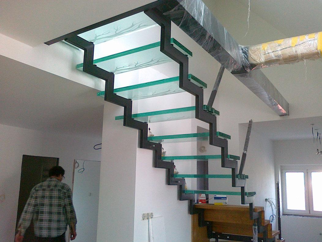 Sklenarstvi-Prerost-schody-a- pochozi-sklo (6)