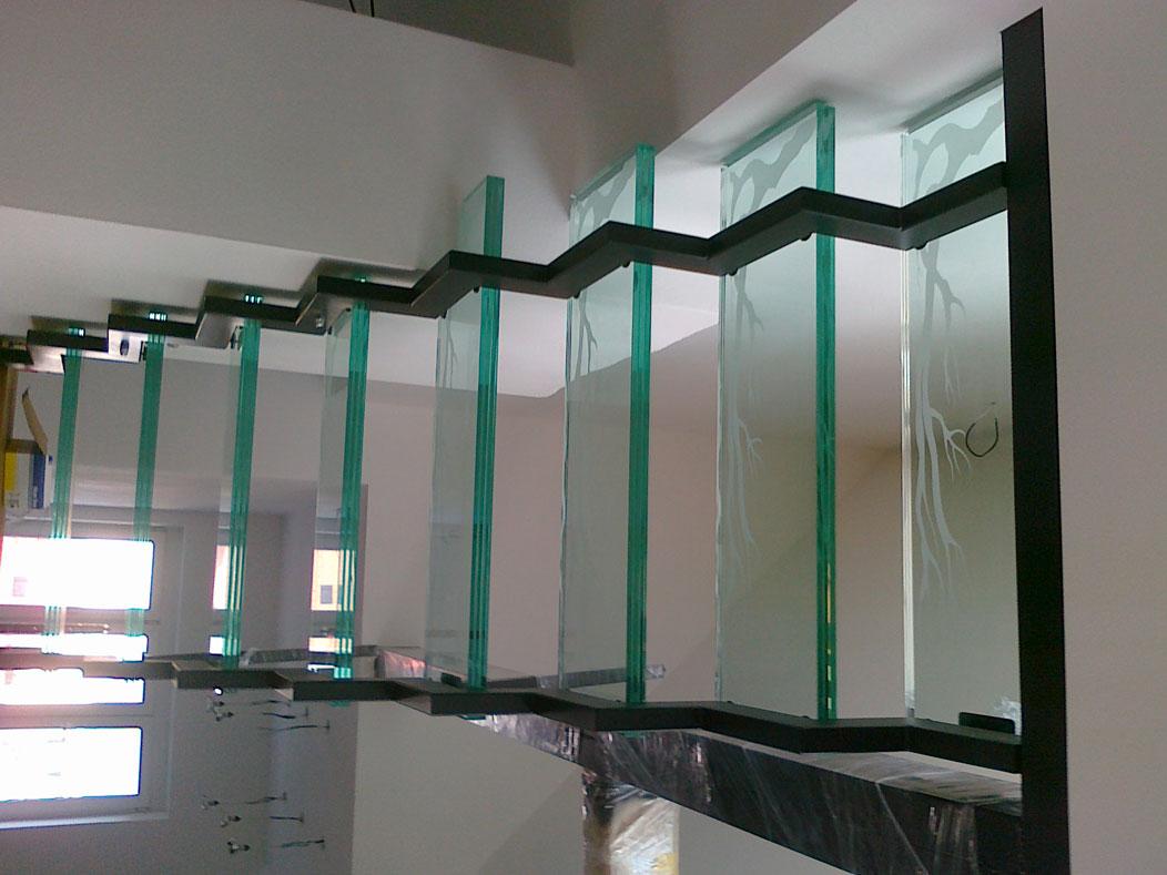 Sklenarstvi-Prerost-schody-a- pochozi-sklo (7)