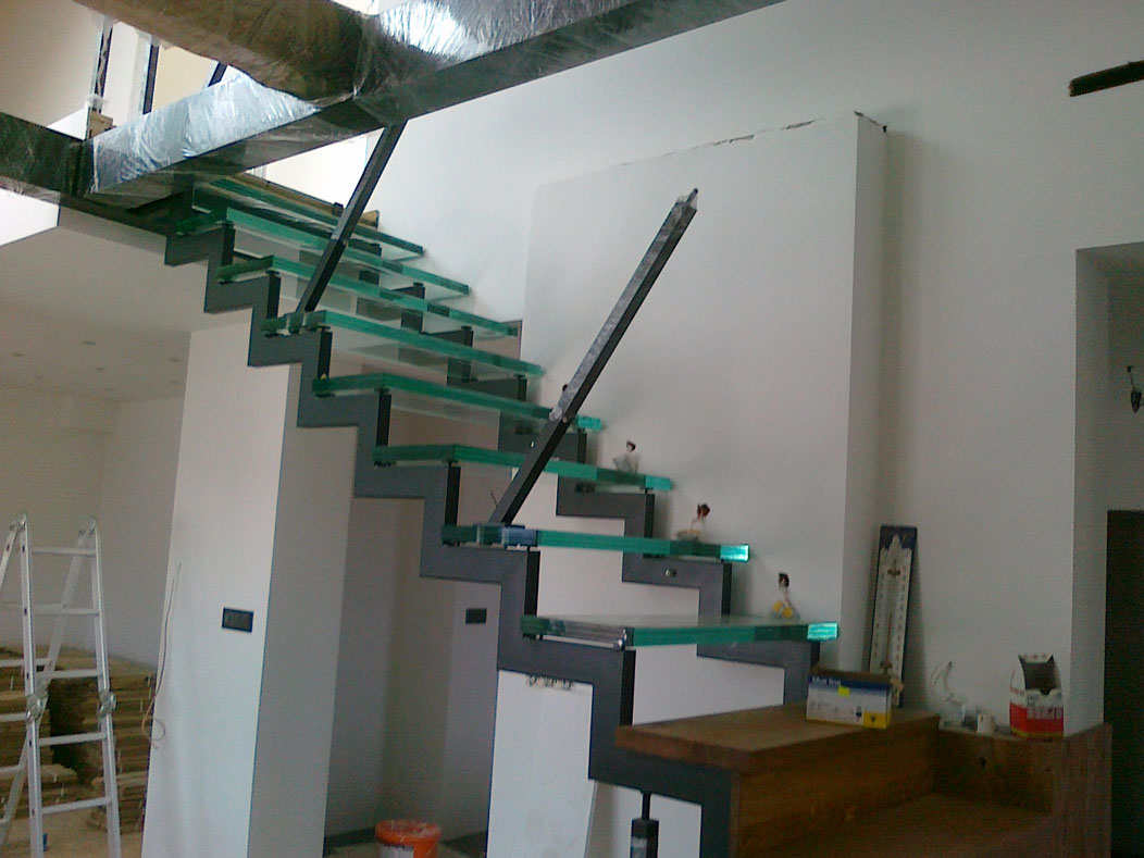 Sklenarstvi-Prerost-schody-a- pochozi-sklo (9)