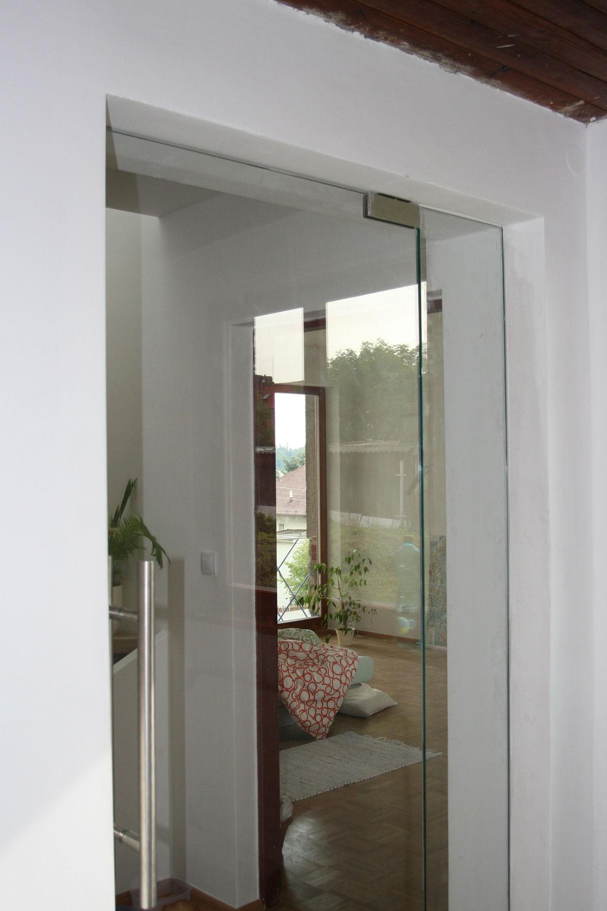 Sklenarstvi-Prerost-sklenene- steny-a-dvere (21)