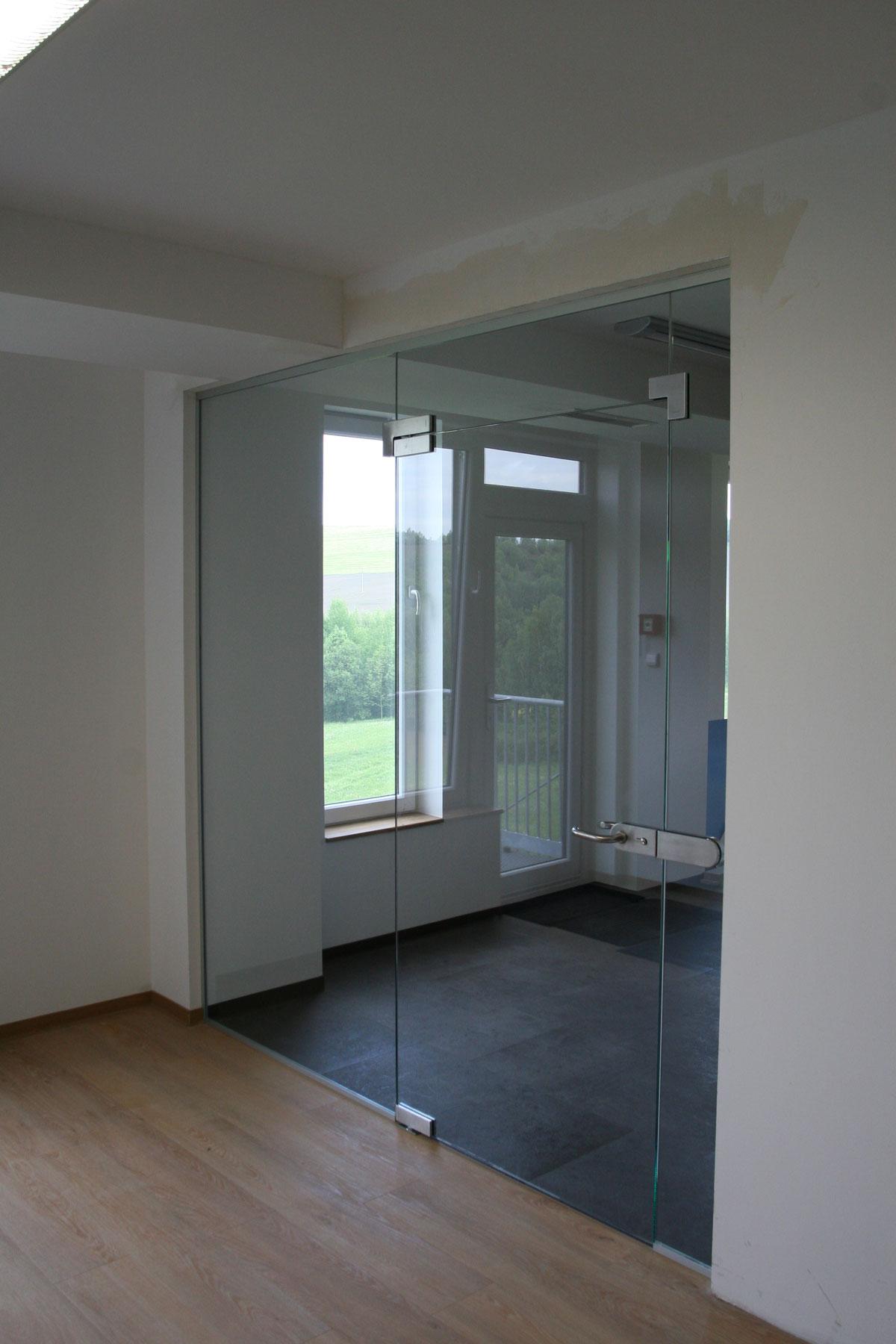 Sklenarstvi-Prerost-sklenene- steny-a-dvere (52)