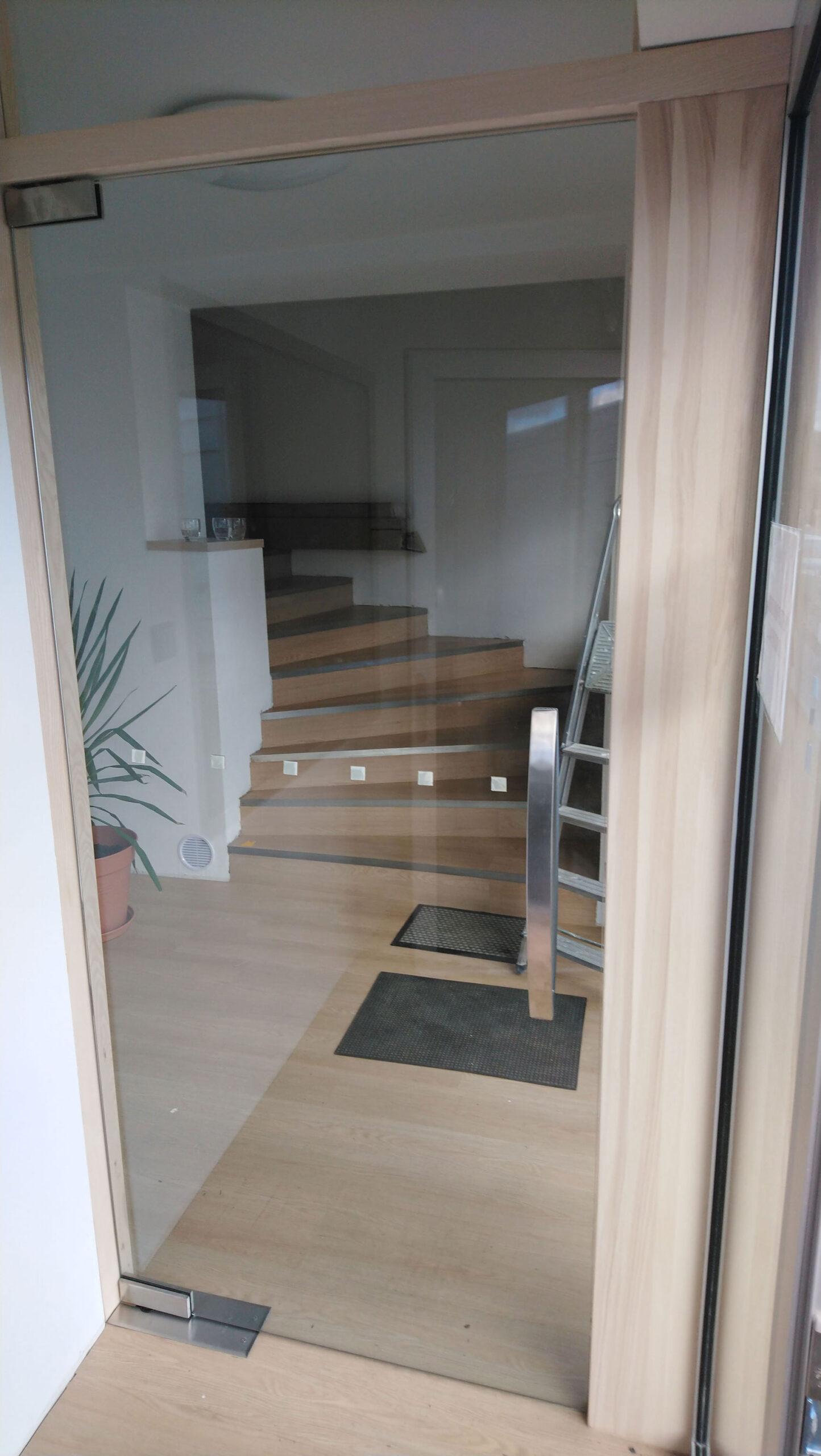 Sklenarstvi-Prerost-sklenene- steny-a-dvere (73)