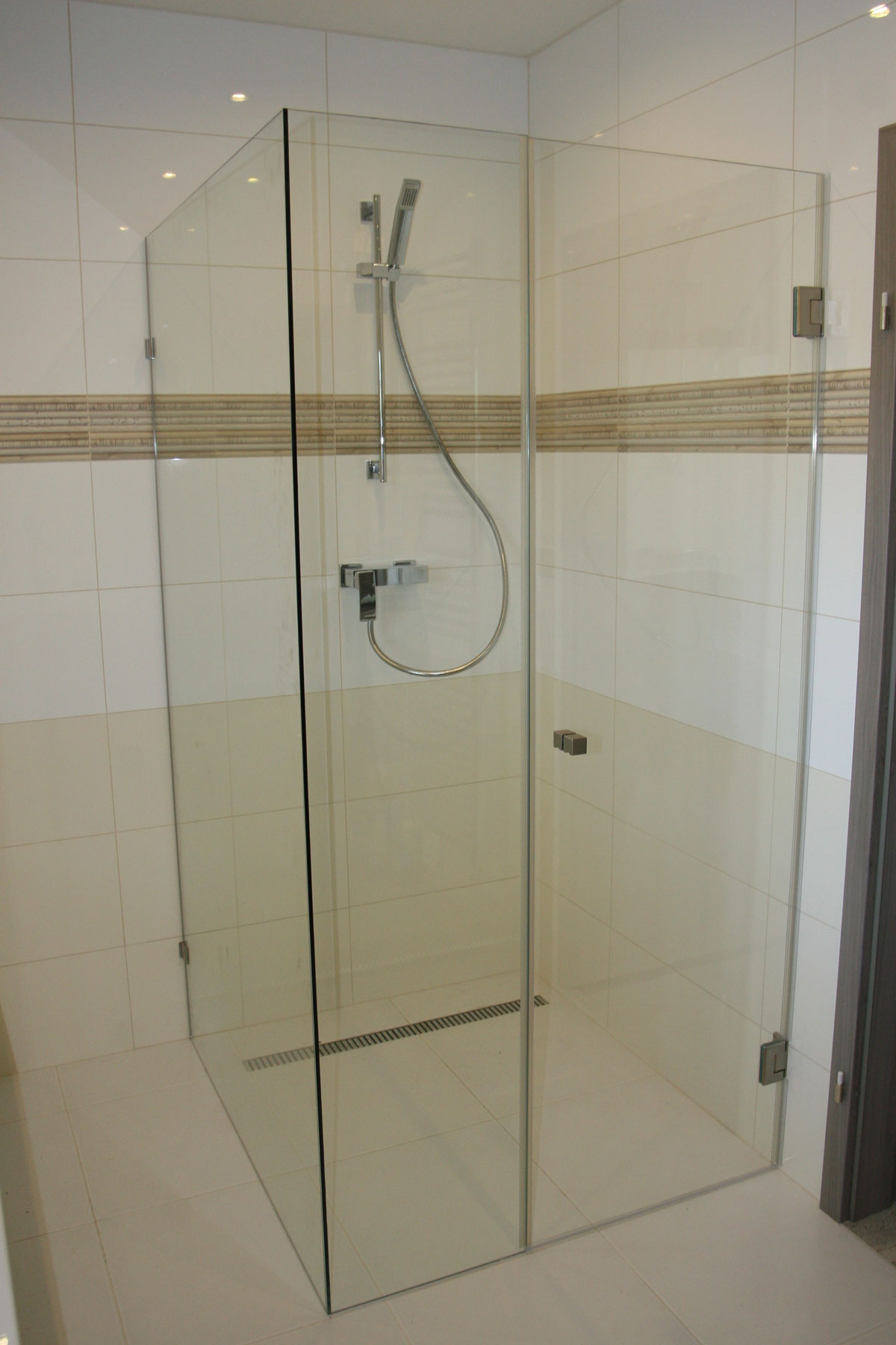 Sklenarstvi-Prerost-sprchove- kouty-a-sprchy (18)