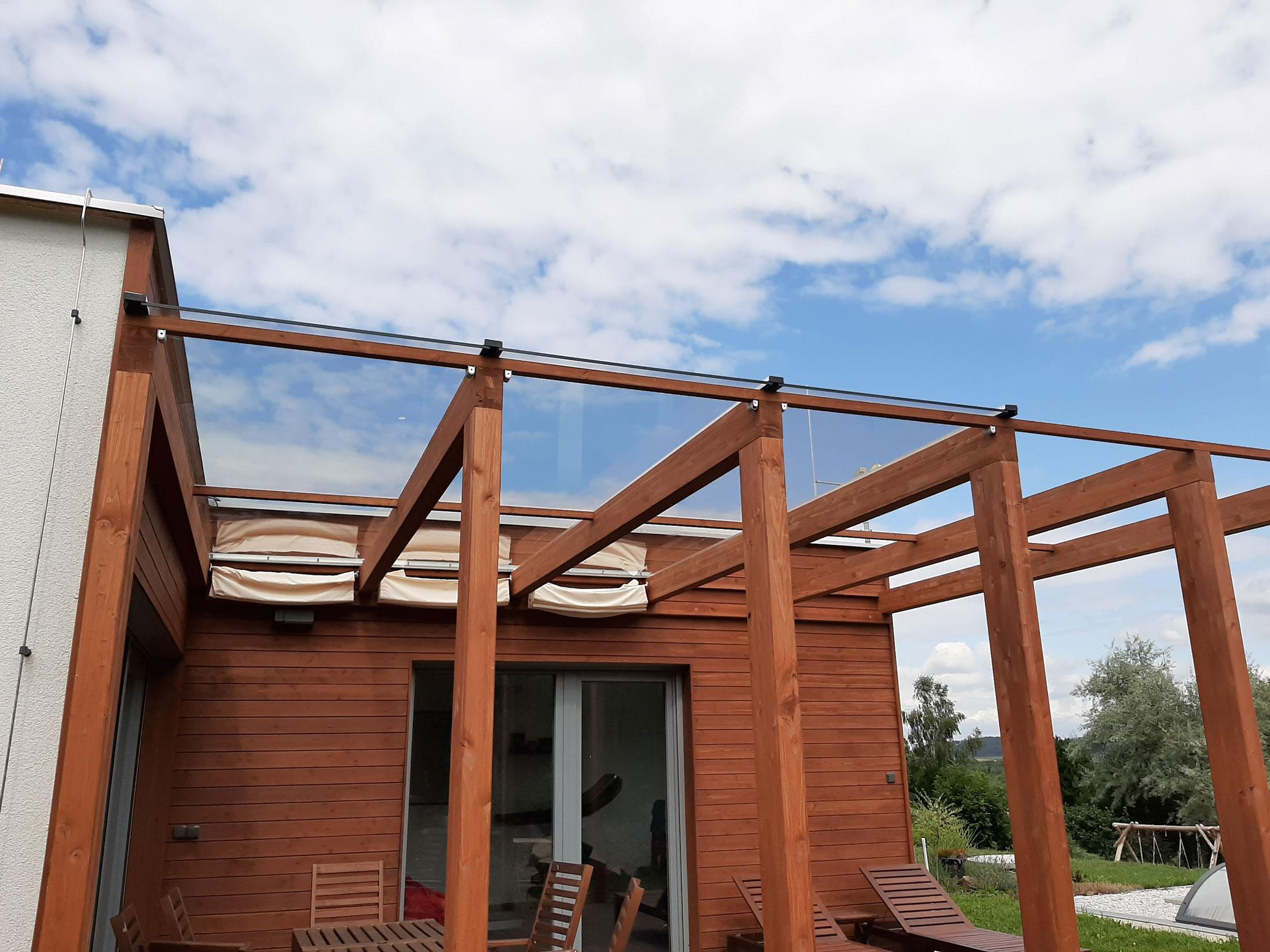 Sklenarstvi-Prerost-strechy-a- pristresky (1)