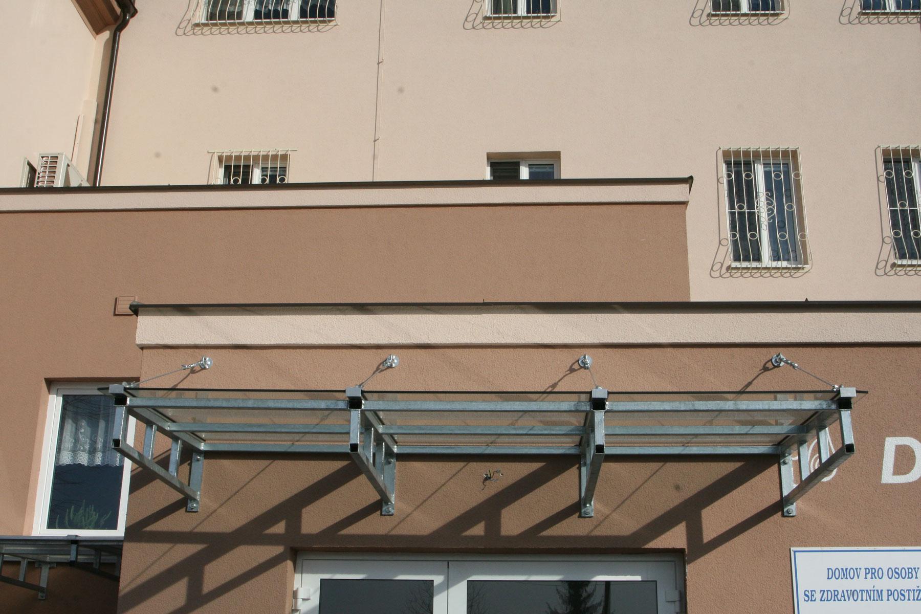 Sklenarstvi-Prerost-strechy-a- pristresky (21)